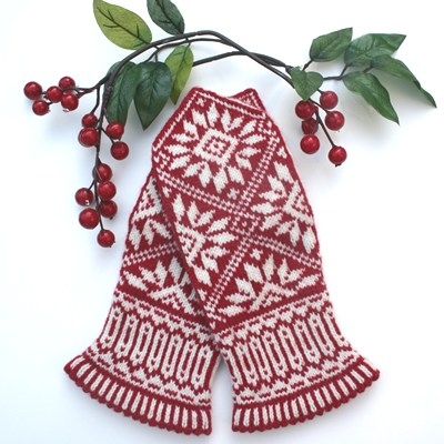 Zinnia Mittens by Mary Ann Stephens