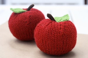 Knitted Fruit Pattern by Peachcake Knits